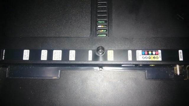 Vendo ou faço rolo, tv Samsung 40p 4k a tela quebrou - Foto 4
