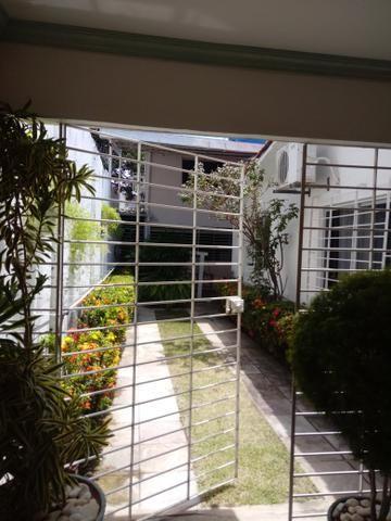 Vendo linda mansão com excelente localização - Foto 5