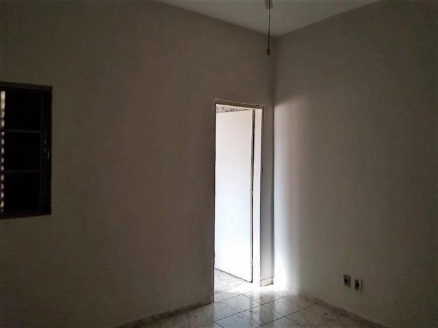 Casa de 3 quartos para venda, 184m2 - Foto 2
