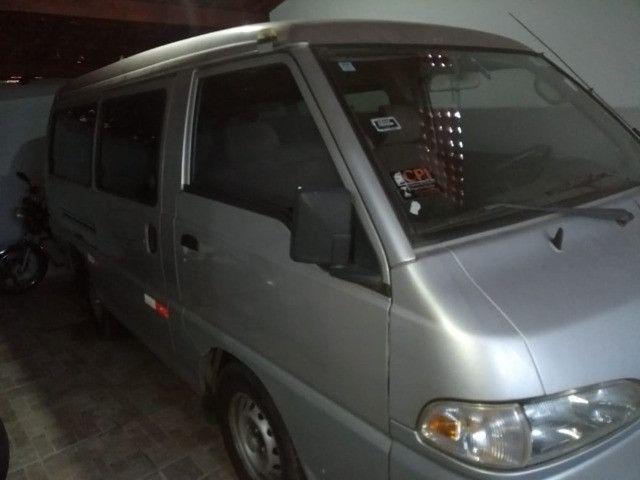Vende-se Van Hyundai ano 2001 - Foto 6