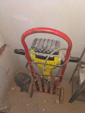 Martelete Bosch 30 quilos - Foto 2