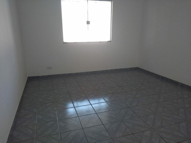 Alugo Apto Térreo 03quartos com Garagem em Campo Grande   - Foto 5