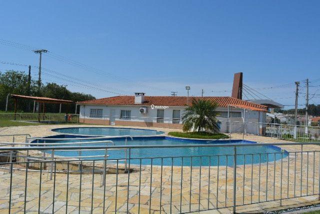 Casa 2 dormitórios, em condomínio fechado, playground, quadras de esportes - Foto 9
