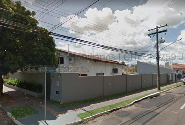 Imóvel com dupla aptidão, construção ampla, possuindo uma área total construída de 450 m² - Foto 11