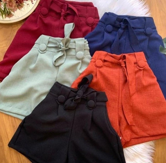 Lote com 50 Peças de roupas Novas - Foto 2