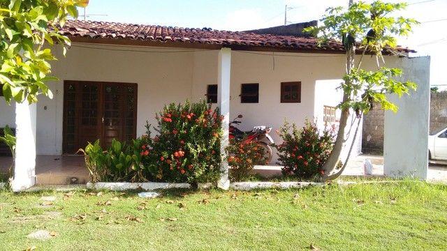 Casa tipo prive terreno todo murado com 4 casas  - Foto 2