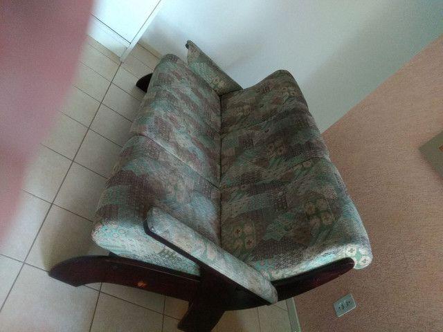 Vendo sofá retrô, três lugares. - Foto 6