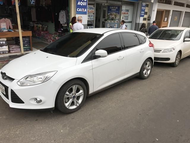 Vendo: Ford Focus SE 1.6