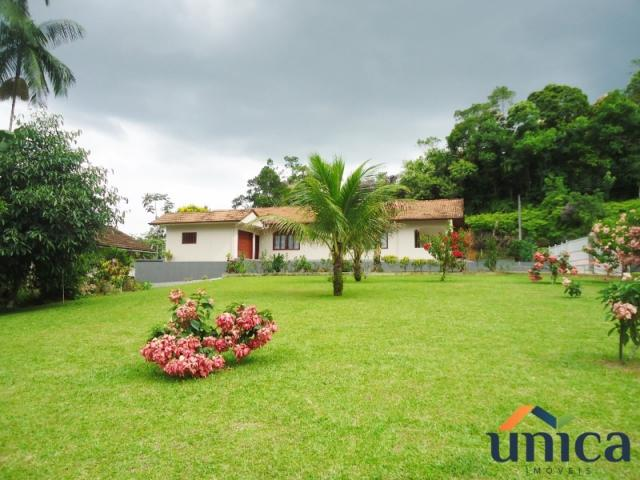 Casa à venda com 3 dormitórios em Vila nova, Joinville cod:UN00687