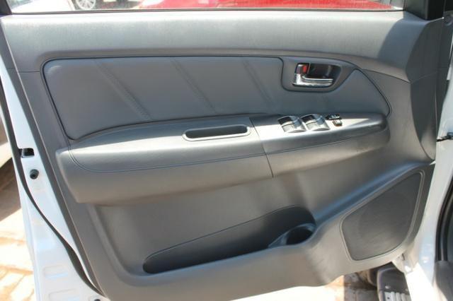 Toyota Hilux Cabine Dupla Hilux 2.7 4x2 CD Srv (Flex) (Aut) 2015 - Foto 13