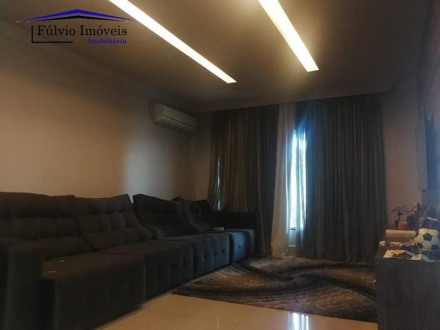 Maravilhosa casa moderna, completa em armários, ar condicionado, 05 quartos, 04 com suítes - Foto 14