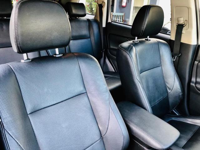 Mitsubishi Outlander 3.0 GT - TOP c/ Teto - 7 Lugares - Muito Novo = 0KM! - Foto 14