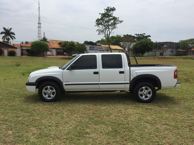 Vendo Gm S10 2.8 turbo diesel 05/06 - Foto 3