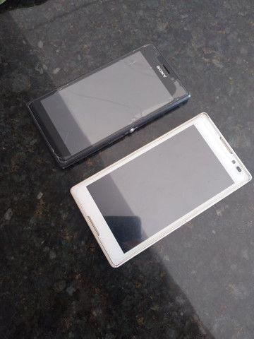 2 carcaças Sony Xperia