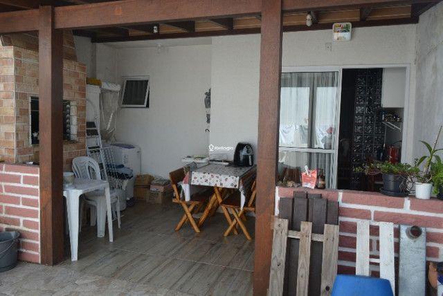 Casa 2 dormitórios, em condomínio fechado, playground, quadras de esportes - Foto 5