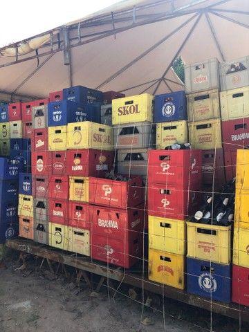 Vendo cervejeira, garrafas e caixas de cervejas  - Foto 3