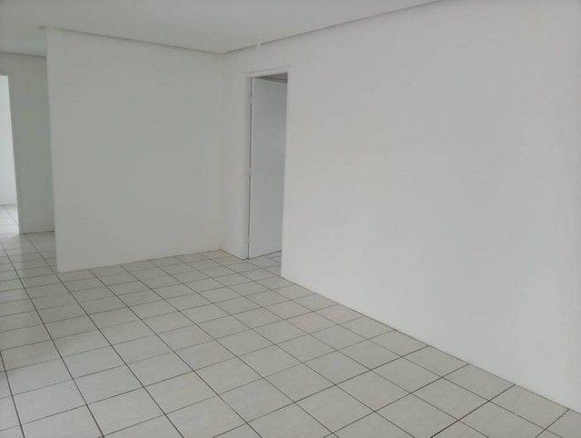 Apartamento para venda possui 100 metros quadrados com 3 quartos em Graças - Recife - PE - Foto 11