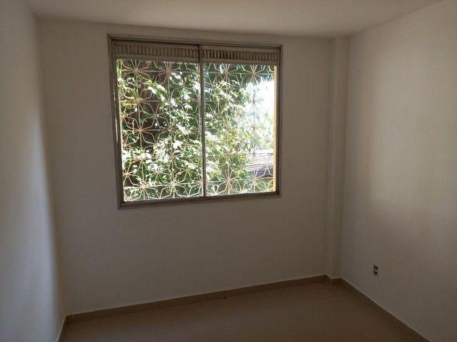 Excelente apartamento reformado em Realengo no Cond. Limites - Foto 8