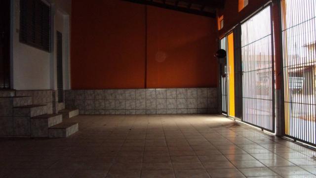Casa de 5 quartos - 2 suítes - Bairro Feliz - Goiânia-GO - Foto 3