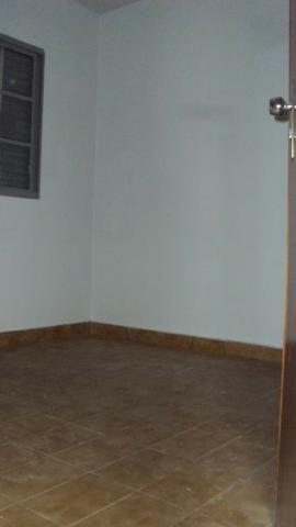 Casa de 5 quartos - 2 suítes - Bairro Feliz - Goiânia-GO - Foto 8