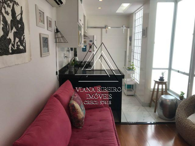 Apartamento na Tijuca, 2 qts, vaga, modernizado, financiamos