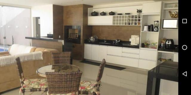 Linda casa com 3 suites em excelente localização no Condomínio Rk - Foto 2