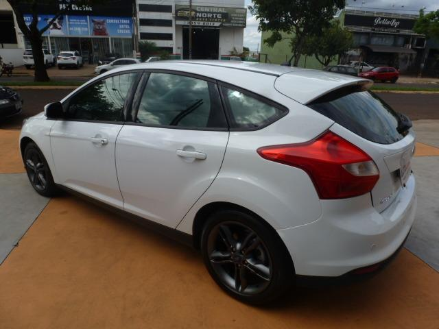 Ford Focus Hatch SE 2.0 16V PowerShift - Foto 11