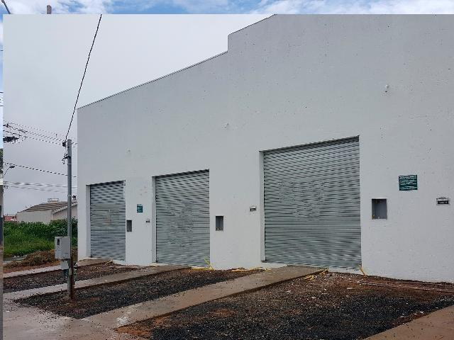 Loja comercial para alugar em Loteamento residencial pequis, Uberlândia cod:874564