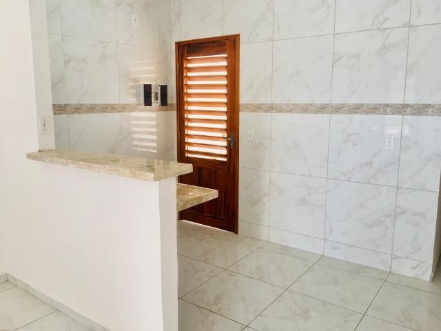 Documentação gratis; 2 quartos ,2 banheiros , 2 vagas de garagem fino acabamento - Foto 5