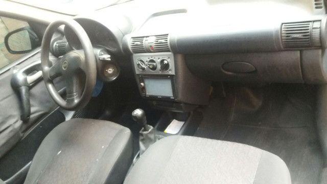 Vendo ou troco corsa classic 2005 ar condicionado é direção hidráulica - Foto 5