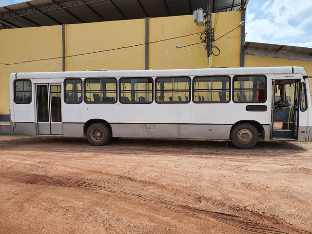 Vendo ou troco ônibus 2009 - Foto 2