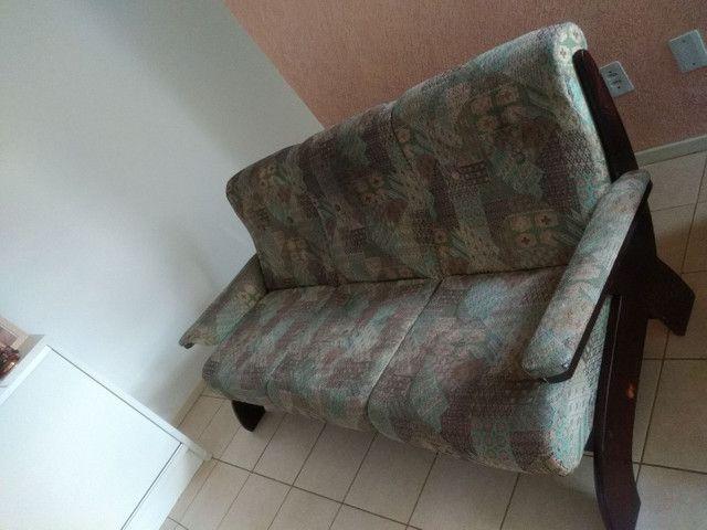 Vendo sofá retrô, três lugares. - Foto 5