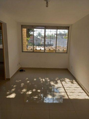 Excelente apartamento reformado em Realengo no Cond. Limites - Foto 4