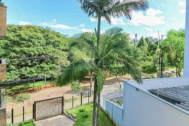 Apartamento à venda com 3 dormitórios em Petrópolis, Porto alegre cod:AR82