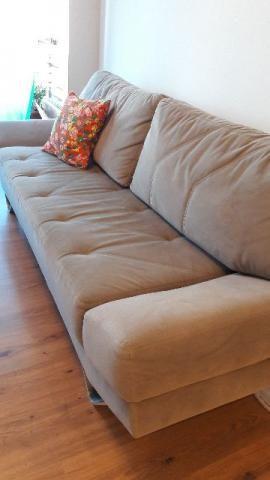 Sofá 3 lugares semi novo, em tecido suede, confortável, (vira cama de solteiro também)