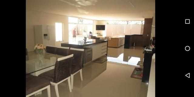 Linda casa com 3 suites em excelente localização no Condomínio Rk - Foto 7