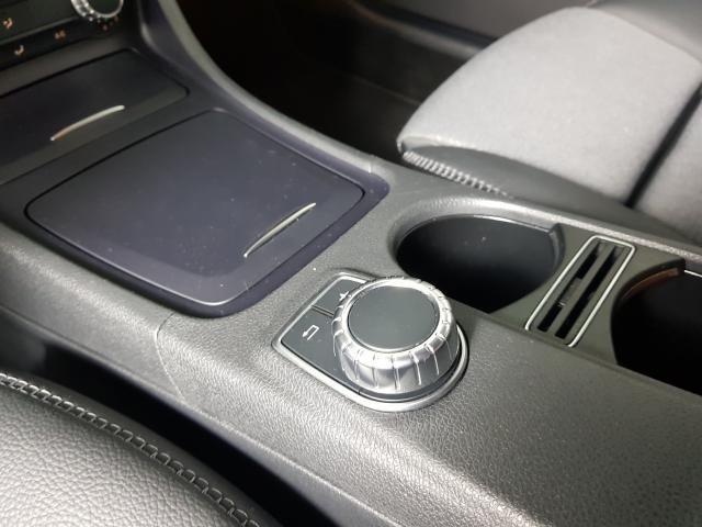 Mercedes GLA 200 Adv. 1.6/1.6 TB 16V Flex  Aut. - Branco - 2016 - Foto 10