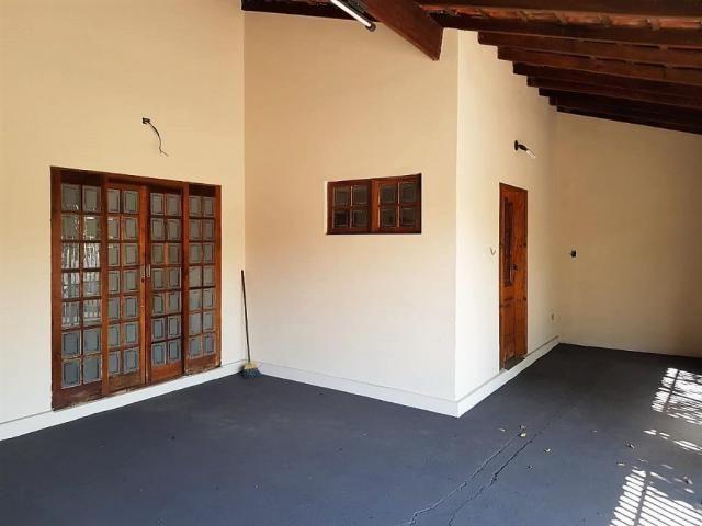 Casa de 3 quartos para venda, 184m2