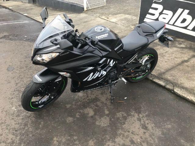 Kawasaki / Ninja 300 Abs 2018 apenas 5.700km - Foto 4