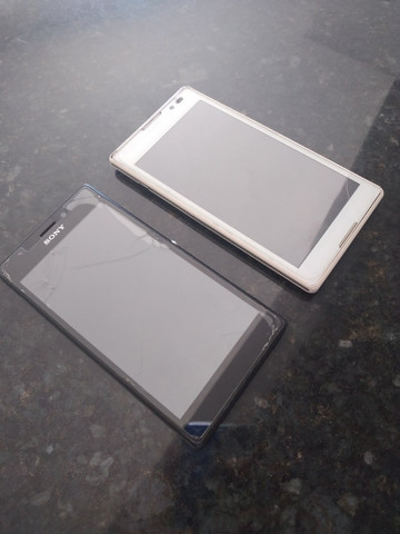 2 carcaças Sony Xperia - Foto 3