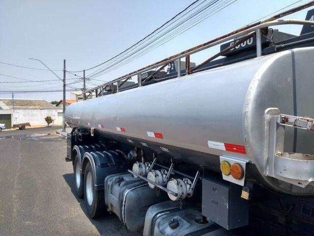 Vendo tanque de 15.000 com bomba é equipamento s - Foto 2
