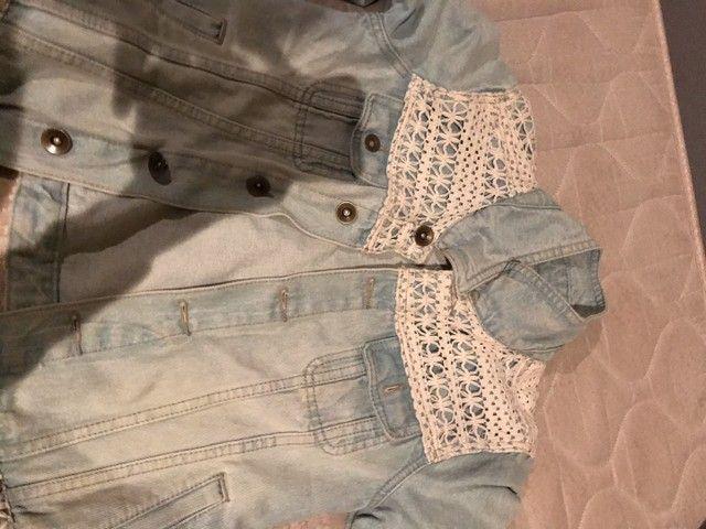 Jaqueta jeans com bordado  - Foto 2