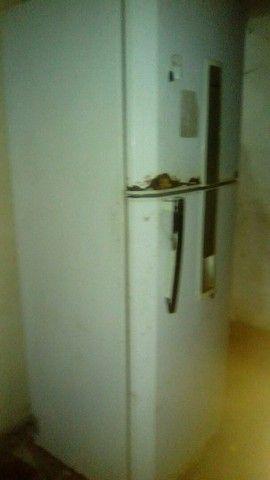 Geladeira usado mais gelando muito bem  - Foto 5