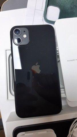 iPhone 11 preto 64 - Foto 3