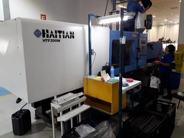 Injetora Haitian HTF 200 ton ano 2008 em SP