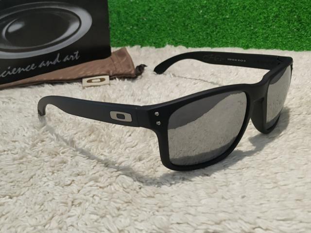 e033675a5 Óculos Oakley Holbrook preto com prata - Bijouterias, relógios e ...