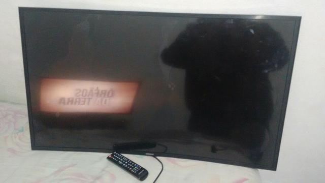 Vendo ou faço rolo, tv Samsung 40p 4k a tela quebrou