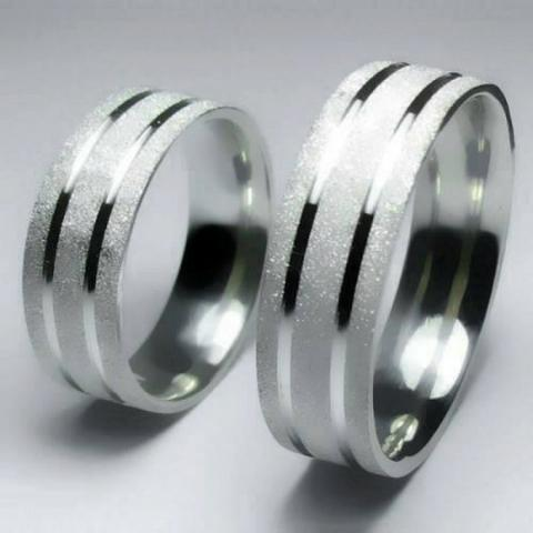 Par De Alianças Namoro Aço 6mm Reta Com 2 Frisos Diamantada