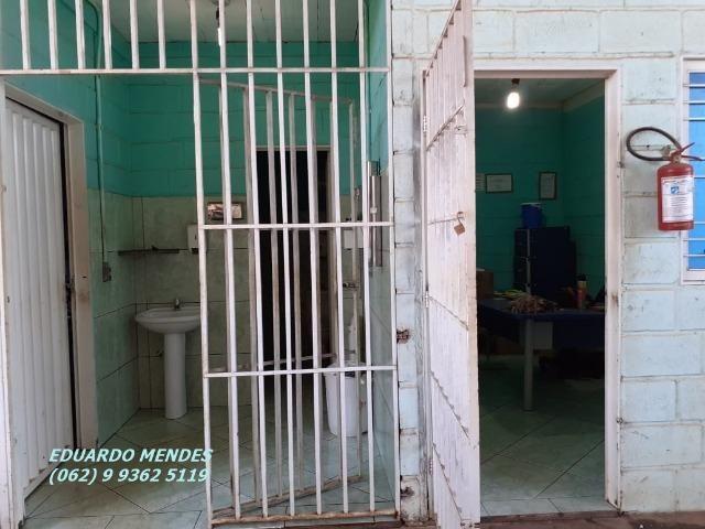 Galpão coberto, lote 360 m² em Aparecida de Goiânia, boa localização - Foto 17