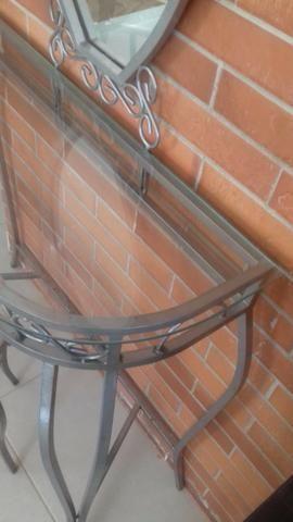 Penteadeira de ferro e vidro com espelho e banqueta - Foto 3